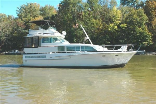 46' Bertram Flybridge Motor Yacht
