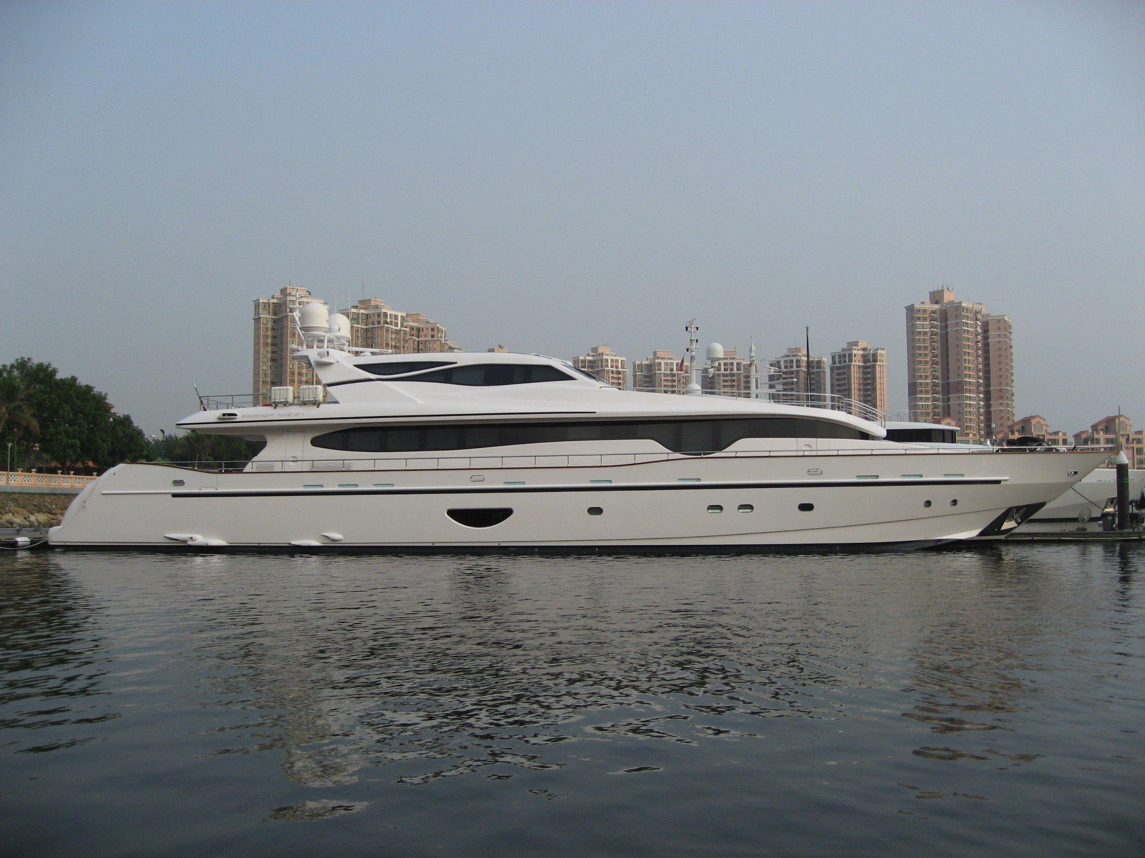 Planet 125 Hard Top Motor Yacht-4957