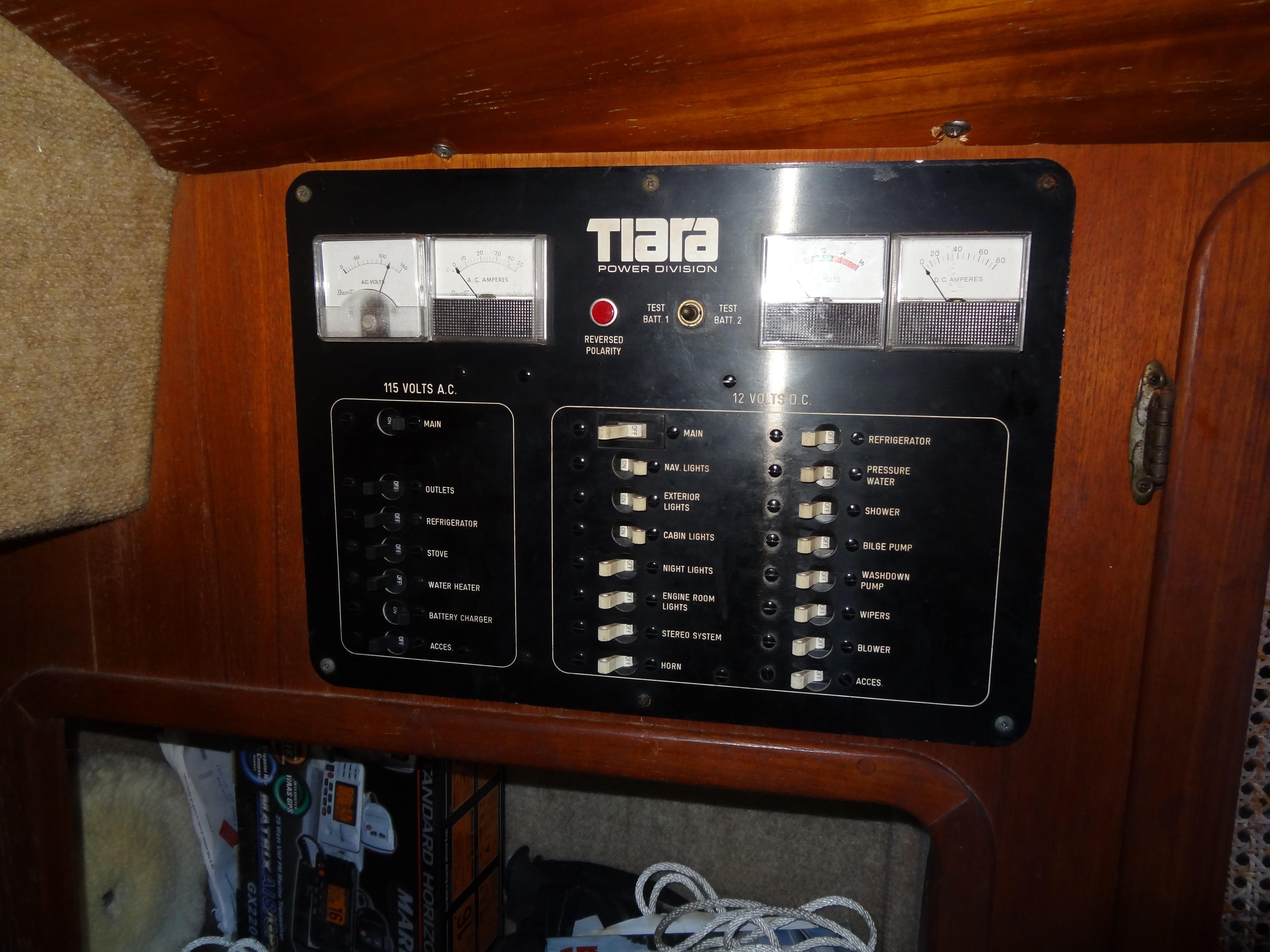 1981 Tiara 3100 Open