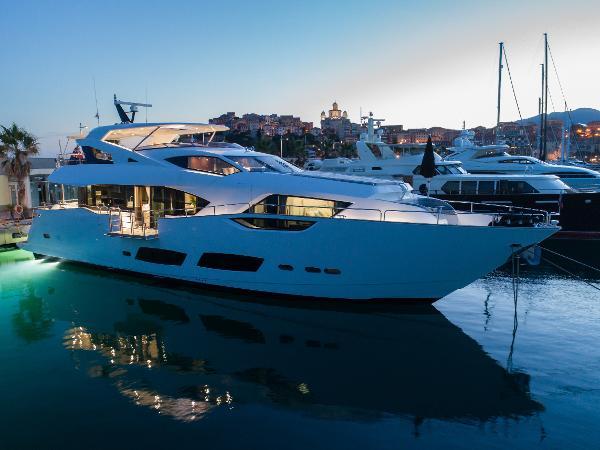 Sunseeker 95 Motor Yacht