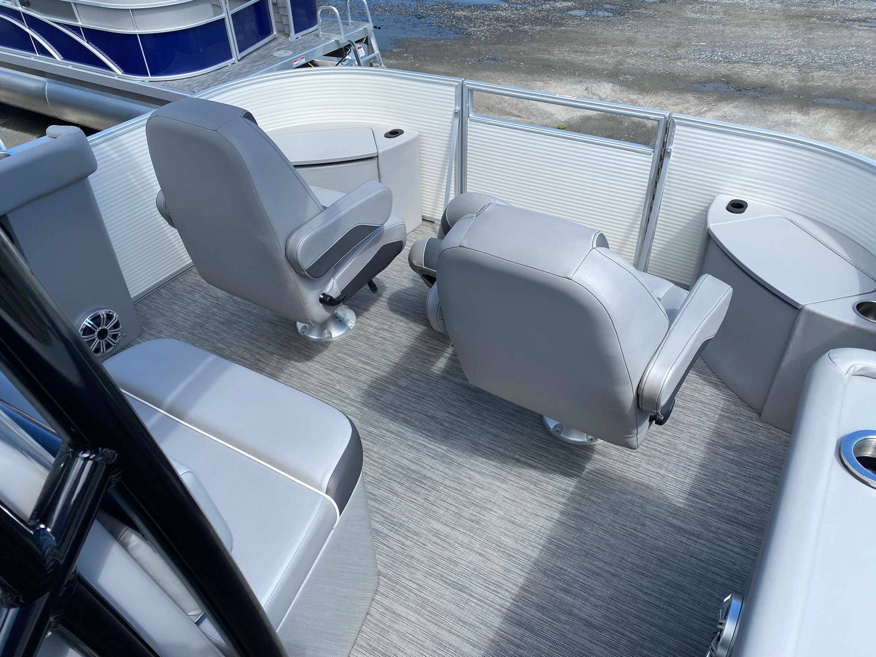 2020 Bennington boat for sale, model of the boat is 23 SCCTTX Center Console Tri-Toon & Image # 5 of 12