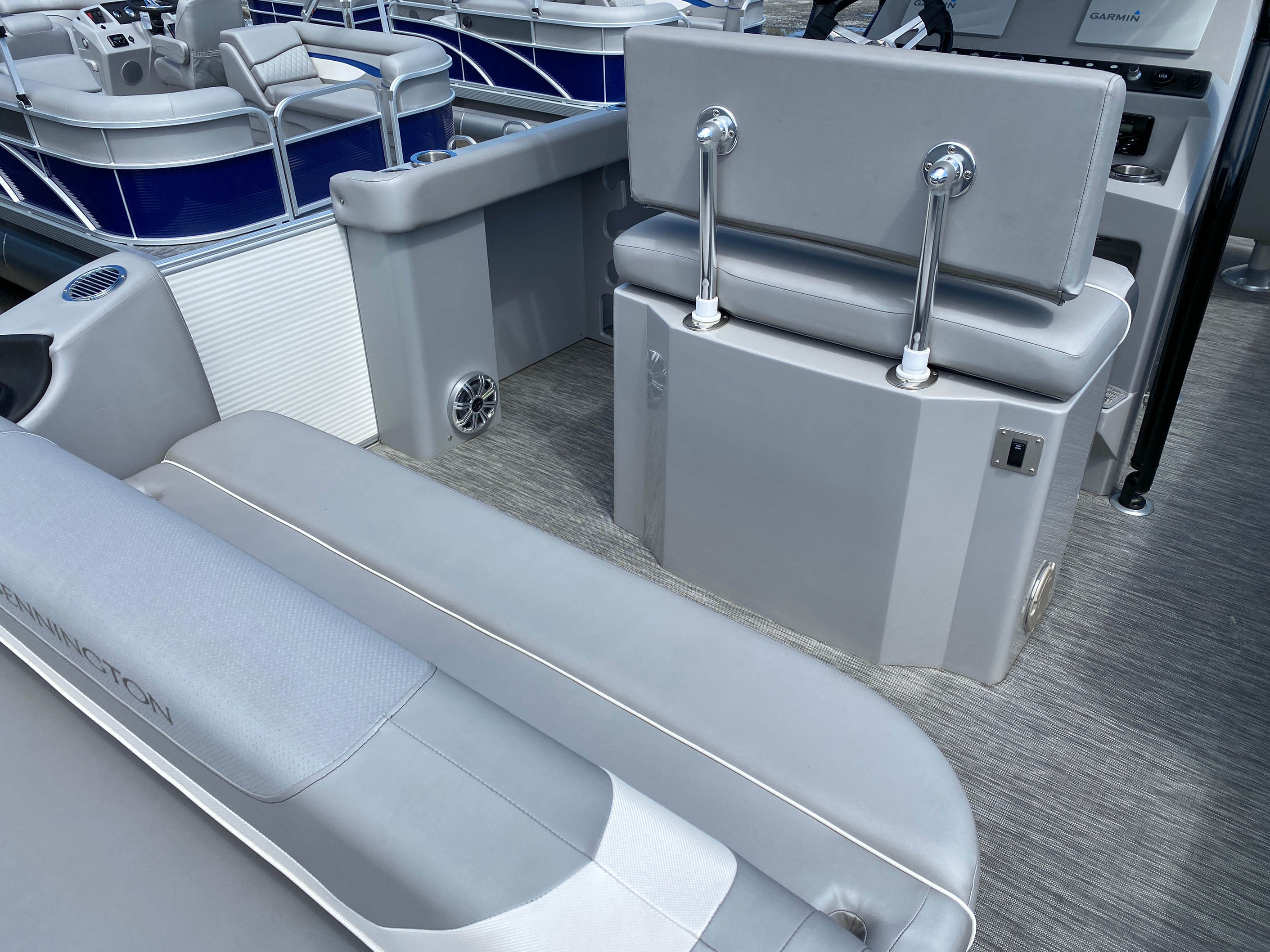 2020 Bennington boat for sale, model of the boat is 23 SCCTTX Center Console Tri-Toon & Image # 11 of 12