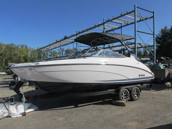 2020 Yamaha boat for sale, model of the boat is 242 Limited S E-Series & Image # 1 of 43