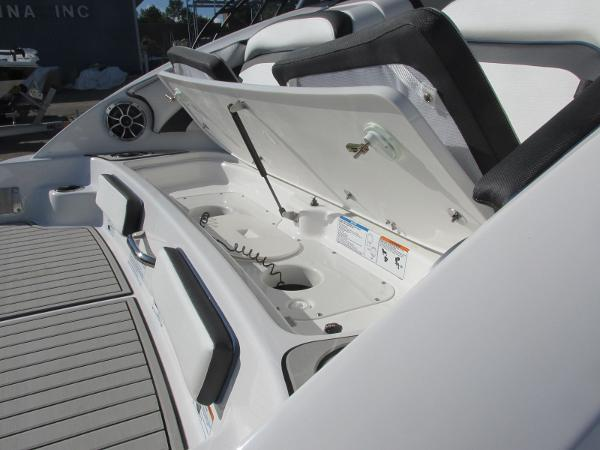 2020 Yamaha boat for sale, model of the boat is 242 Limited S E-Series & Image # 6 of 43