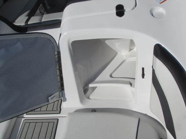 2020 Yamaha boat for sale, model of the boat is 242 Limited S E-Series & Image # 9 of 43