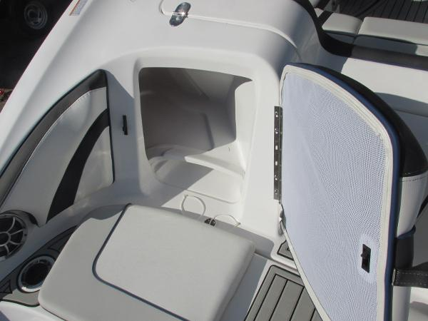 2020 Yamaha boat for sale, model of the boat is 242 Limited S E-Series & Image # 10 of 43