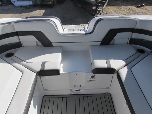 2020 Yamaha boat for sale, model of the boat is 242 Limited S E-Series & Image # 19 of 43