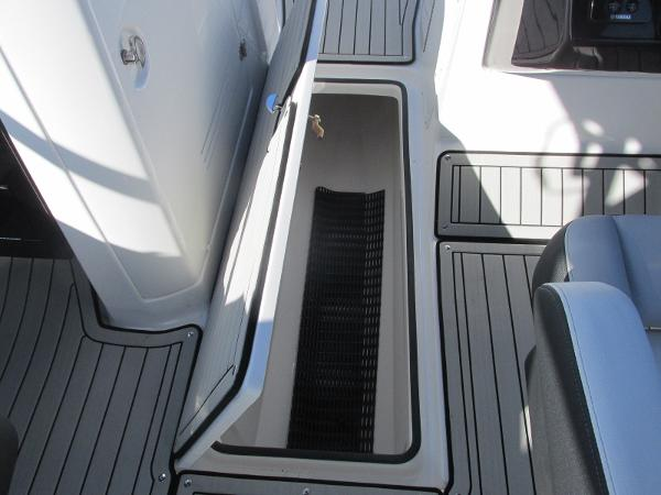 2020 Yamaha boat for sale, model of the boat is 242 Limited S E-Series & Image # 25 of 43