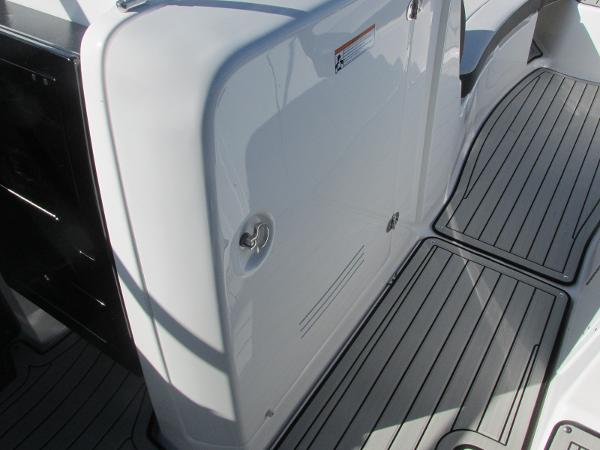 2020 Yamaha boat for sale, model of the boat is 242 Limited S E-Series & Image # 26 of 43