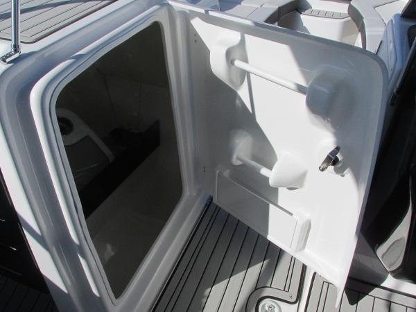 2020 Yamaha boat for sale, model of the boat is 242 Limited S E-Series & Image # 27 of 43