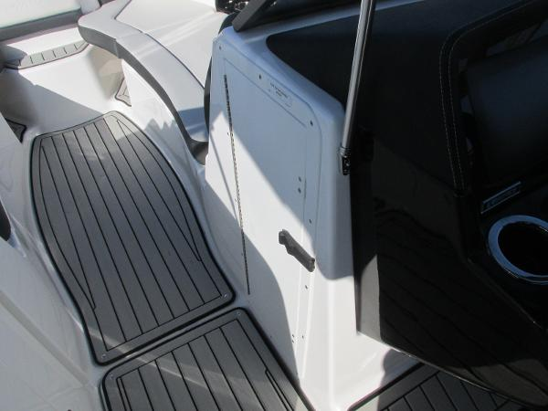 2020 Yamaha boat for sale, model of the boat is 242 Limited S E-Series & Image # 28 of 43