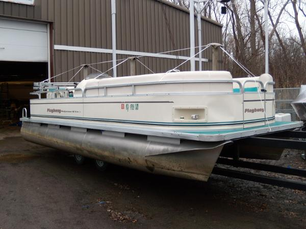 2002 Playbuoy boat for sale, model of the boat is Windjammer - 22' & Image # 1 of 9