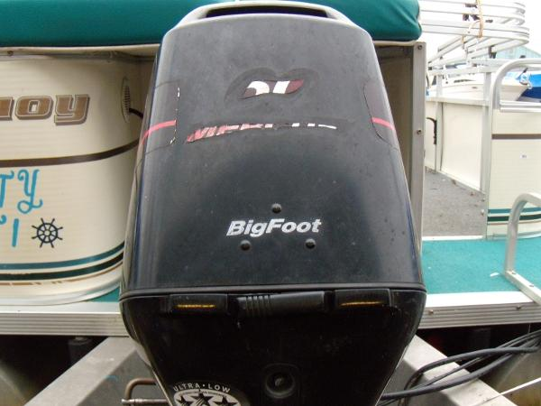 2002 Playbuoy boat for sale, model of the boat is Windjammer - 22' & Image # 4 of 9