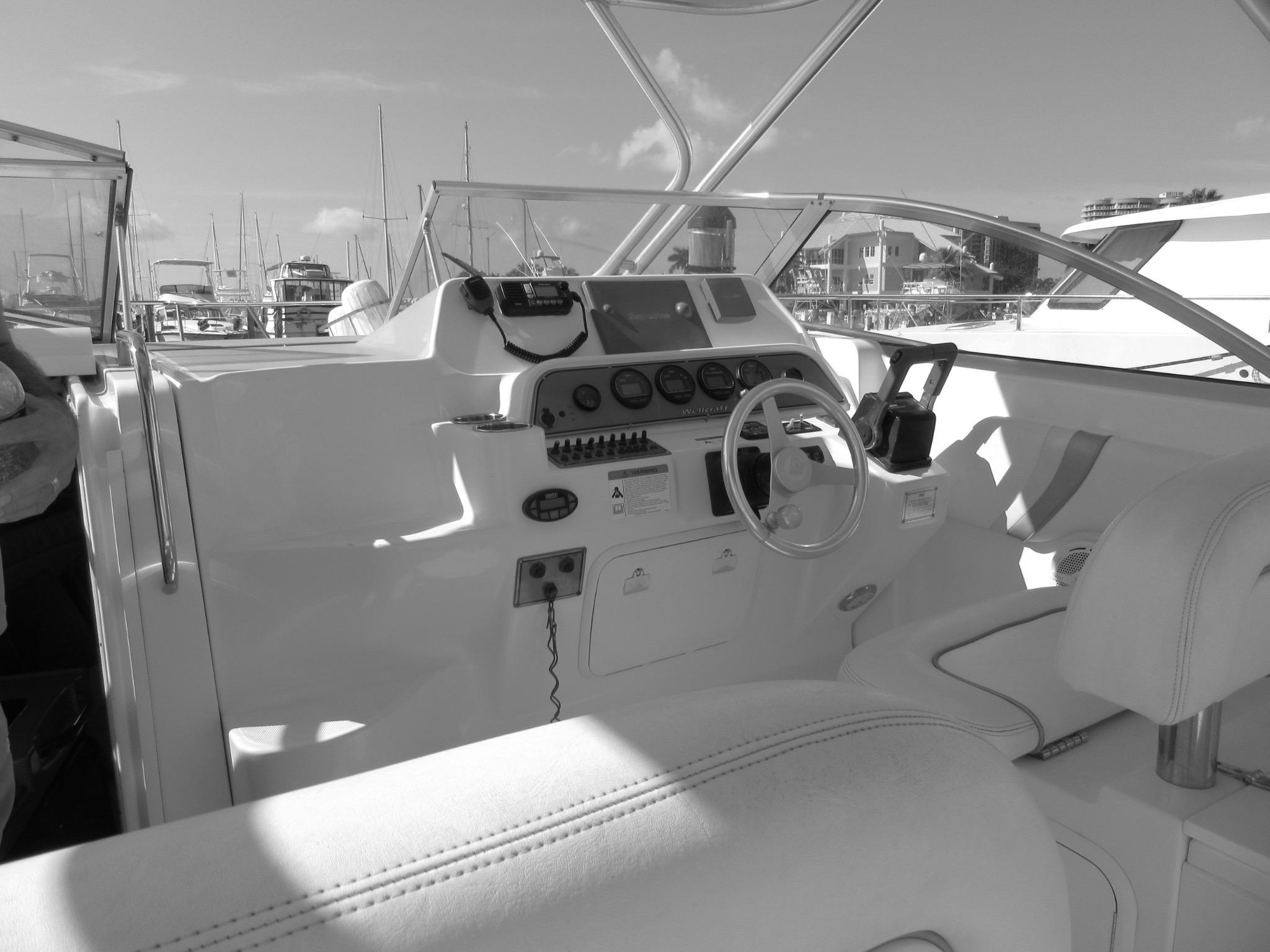 STARBOARD CONTROLS -DOUBLE SEATING TO PORTCOM