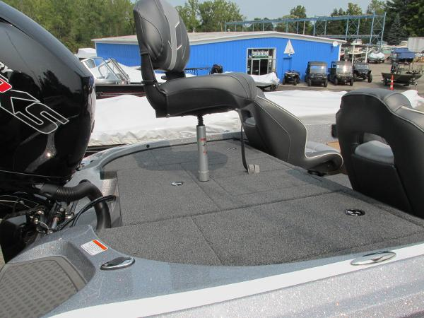 2021 Nitro boat for sale, model of the boat is Z18 & Image # 8 of 26