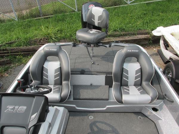 2021 Nitro boat for sale, model of the boat is Z18 & Image # 14 of 26