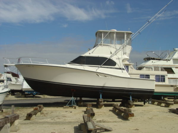 Luhrs 380 Convertible Convertible Boats. Listing Number: M-3231042