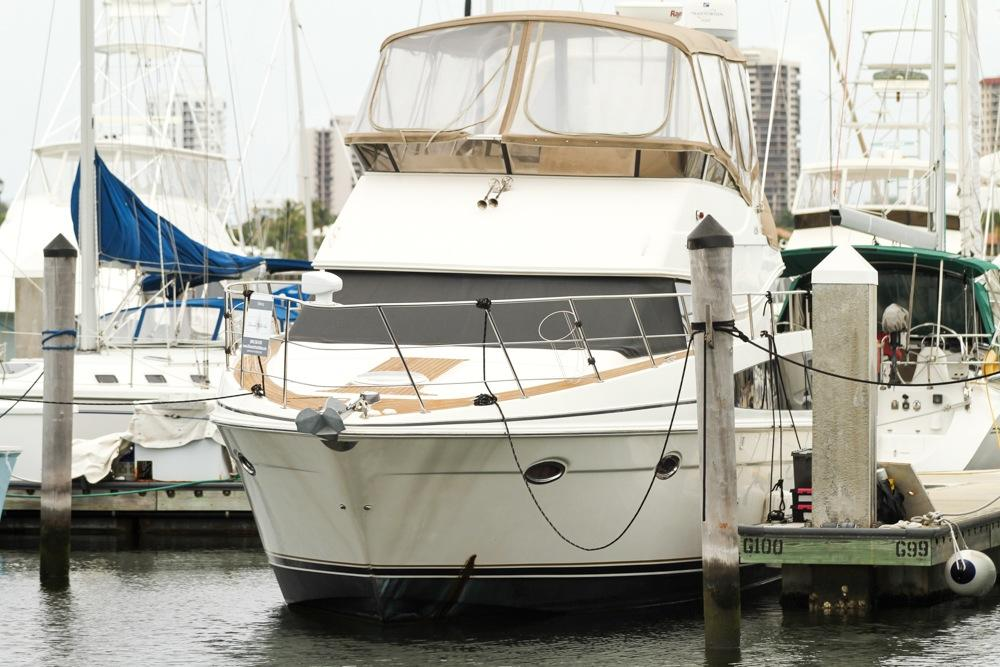 42' CARVER YACHTS 2006 42 SS