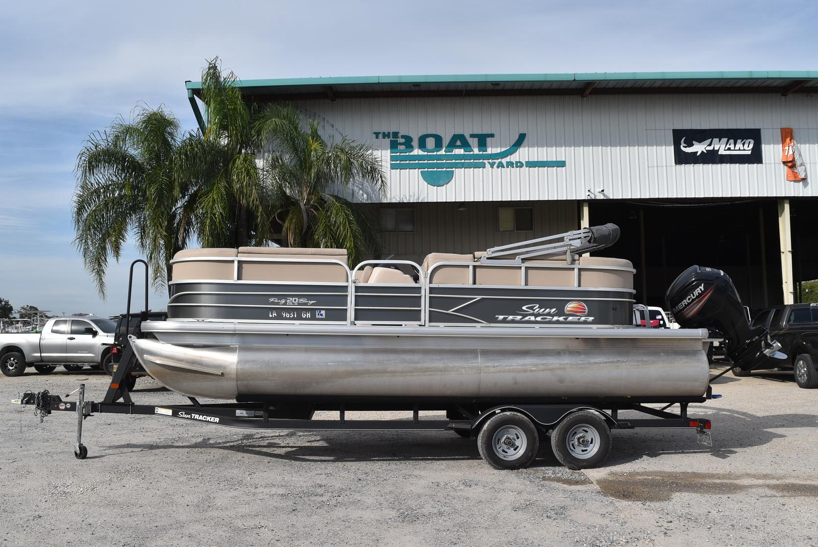 2018 Sun Tracker boat for sale, model of the boat is Party Barge 20 DLX, 90CT & Image # 1 of 14