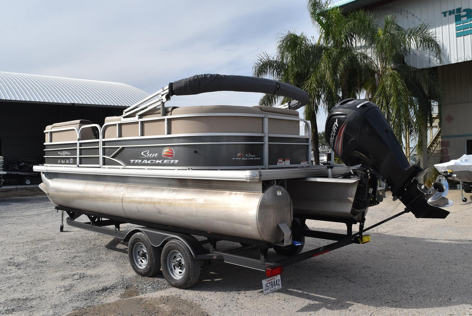 2018 Sun Tracker boat for sale, model of the boat is Party Barge 20 DLX, 90CT & Image # 11 of 14