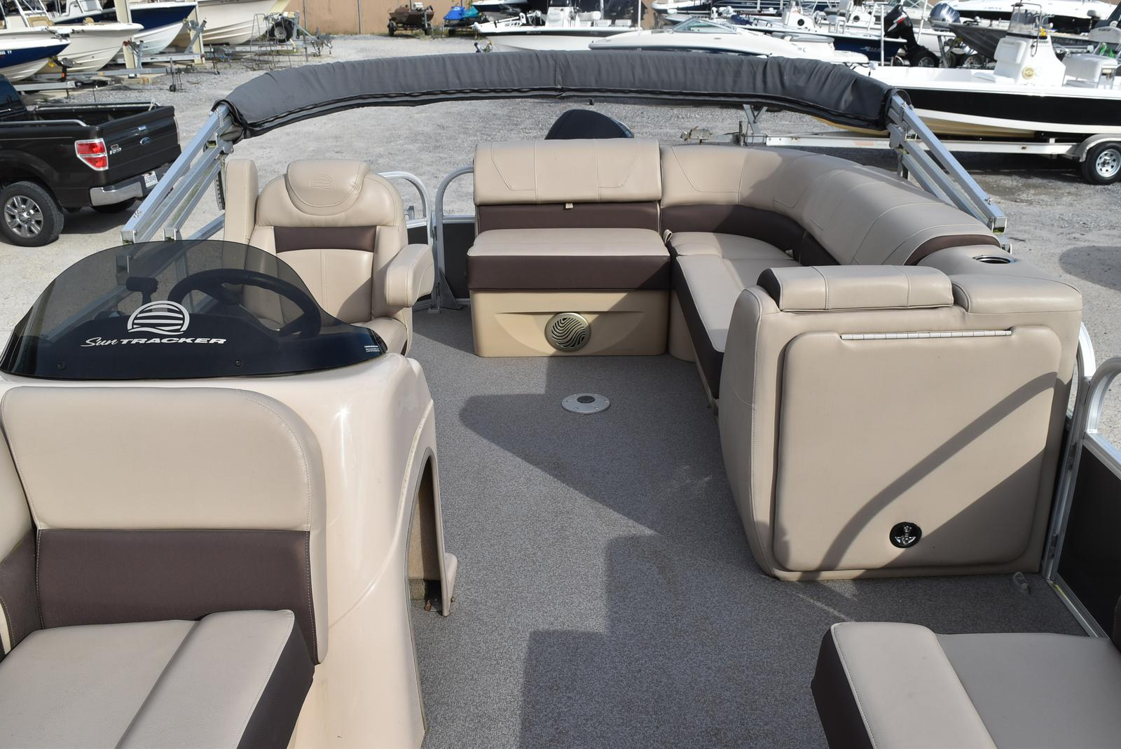 2018 Sun Tracker boat for sale, model of the boat is Party Barge 20 DLX, 90CT & Image # 14 of 14
