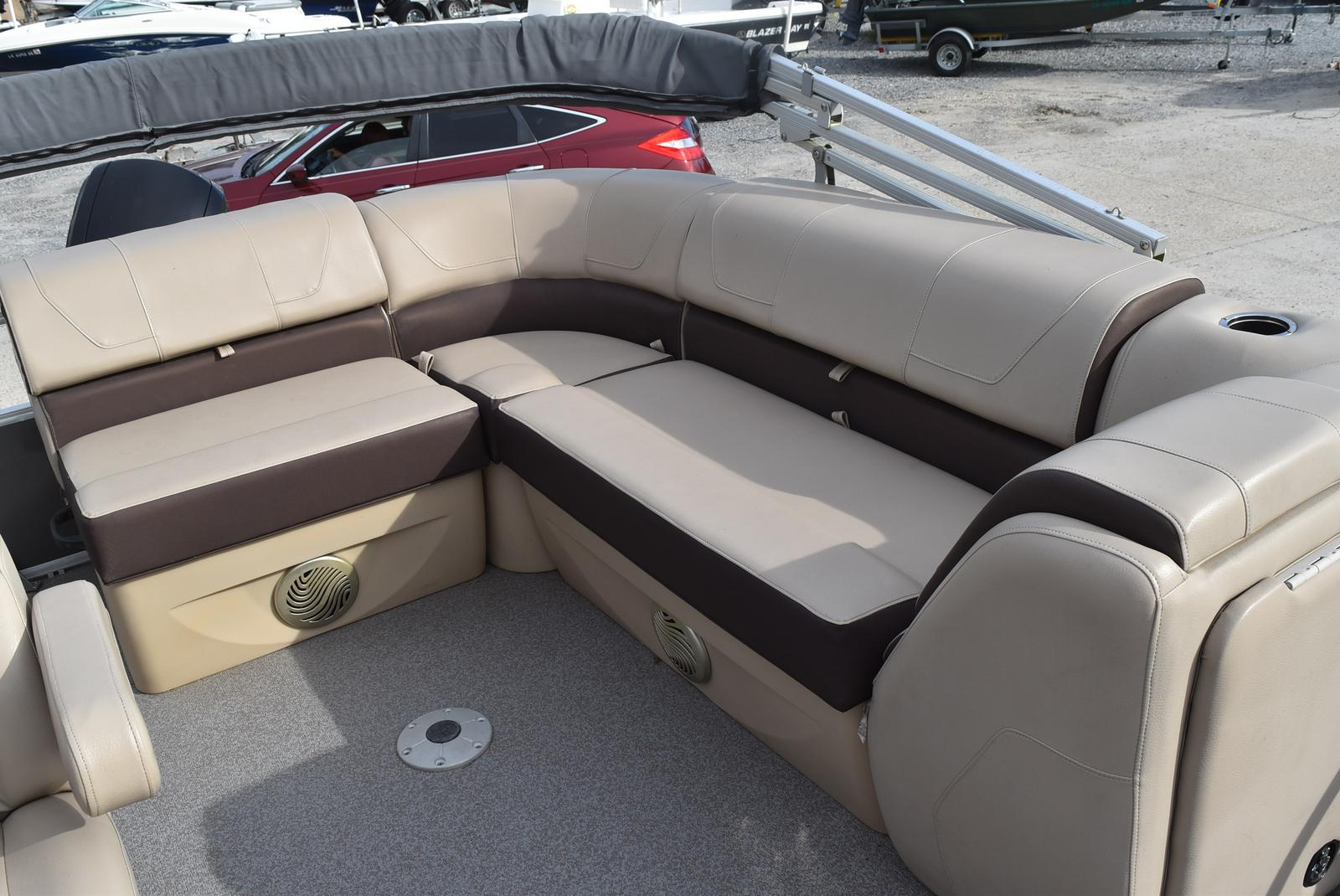 2018 Sun Tracker boat for sale, model of the boat is Party Barge 20 DLX, 90CT & Image # 5 of 14