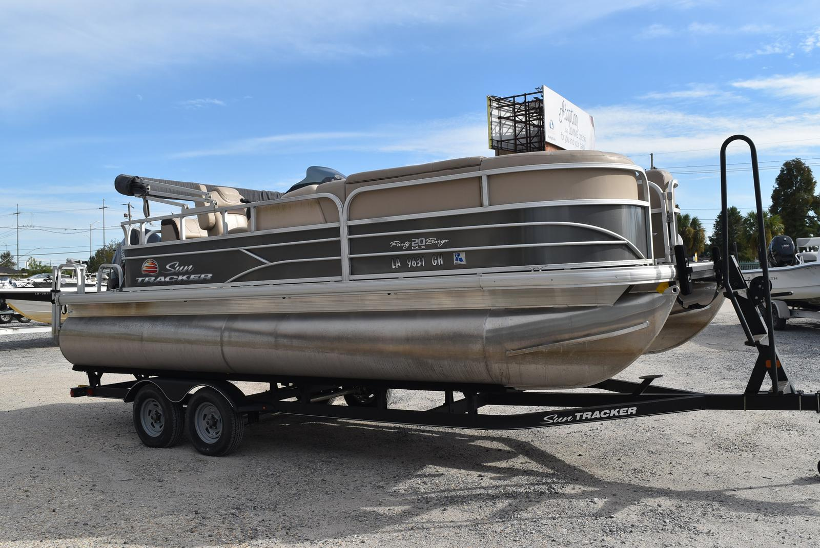 2018 Sun Tracker boat for sale, model of the boat is Party Barge 20 DLX, 90CT & Image # 6 of 14