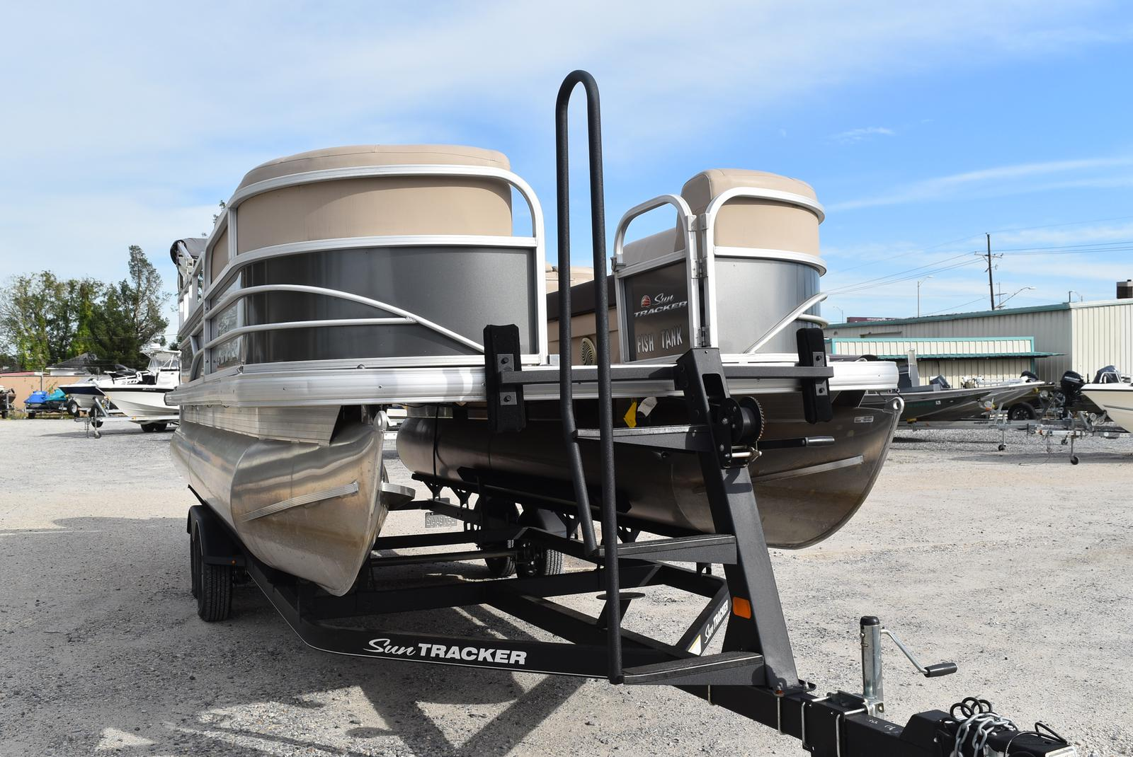 2018 Sun Tracker boat for sale, model of the boat is Party Barge 20 DLX, 90CT & Image # 7 of 14