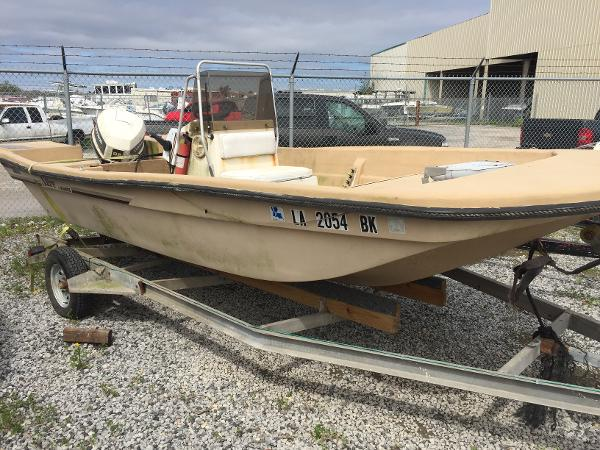 1984 Manatee boat for sale, model of the boat is Sabre & Image # 1 of 6