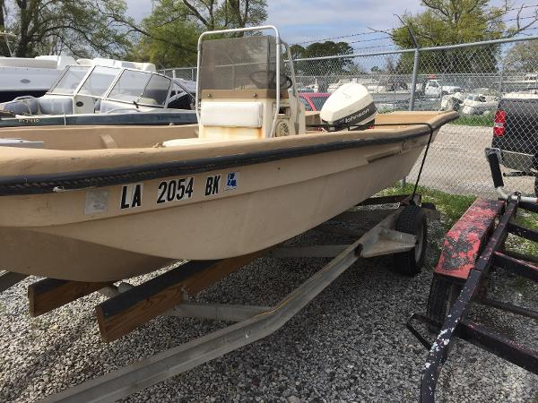 1984 Manatee boat for sale, model of the boat is Sabre & Image # 2 of 6
