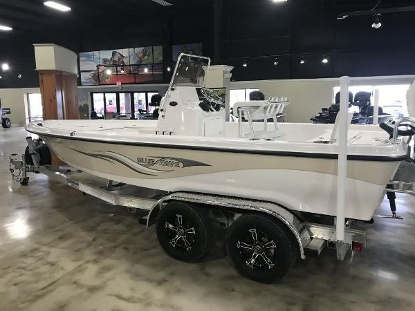 2021 Blue Wave boat for sale, model of the boat is 2200CLASSIC & Image # 1 of 6