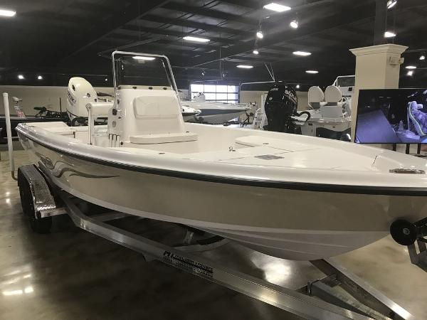 2021 Blue Wave boat for sale, model of the boat is 2200CLASSIC & Image # 5 of 6