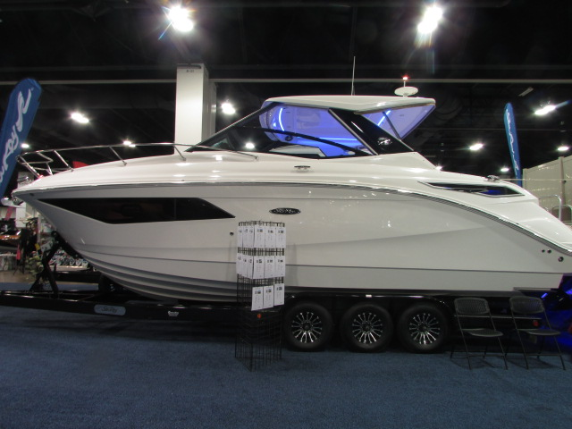 2020 Sea Ray boat for sale, model of the boat is 320 Sundancer & Image # 1 of 15
