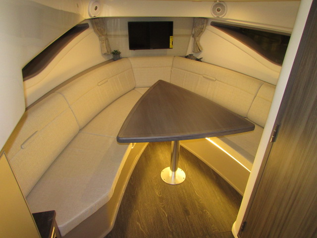 2020 Sea Ray boat for sale, model of the boat is 320 Sundancer & Image # 11 of 15
