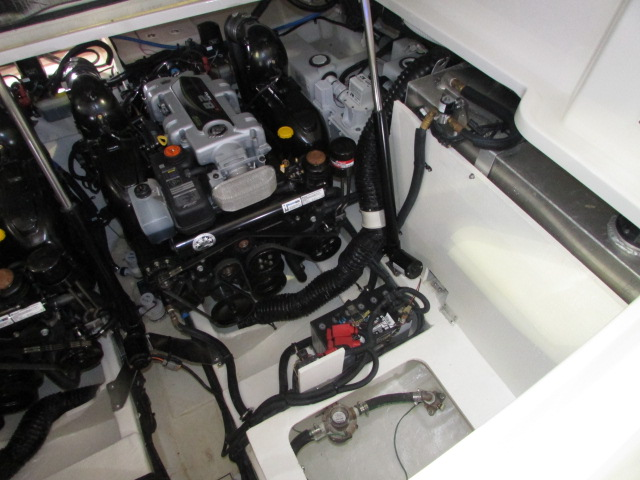 2020 Sea Ray boat for sale, model of the boat is 350 Coupe & Image # 11 of 29