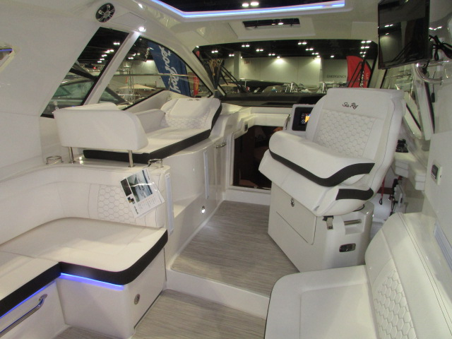 2020 Sea Ray boat for sale, model of the boat is 350 Coupe & Image # 28 of 29