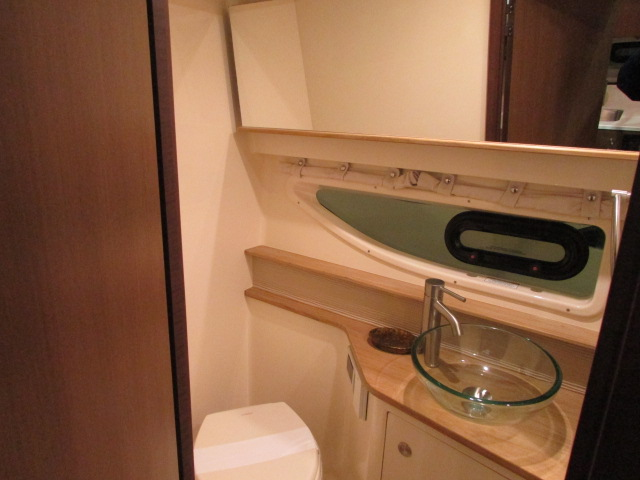 2020 Sea Ray boat for sale, model of the boat is 350 Coupe & Image # 17 of 29