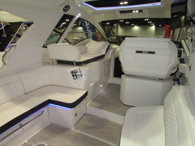 2020 Sea Ray boat for sale, model of the boat is 350 Coupe & Image # 22 of 29