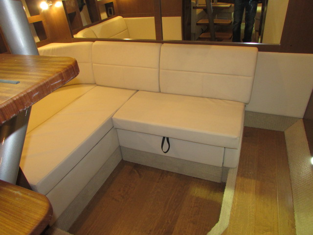 2020 Sea Ray boat for sale, model of the boat is 350 Coupe & Image # 24 of 29