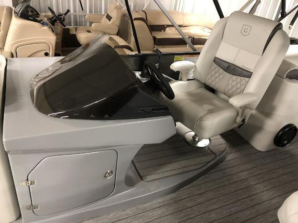 2019 Godfrey Pontoon boat for sale, model of the boat is SP 2500 ULC TT-27 & Image # 4 of 44
