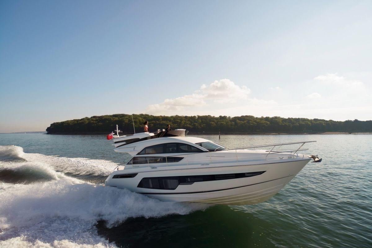 Fairline Squadron 48 Profile