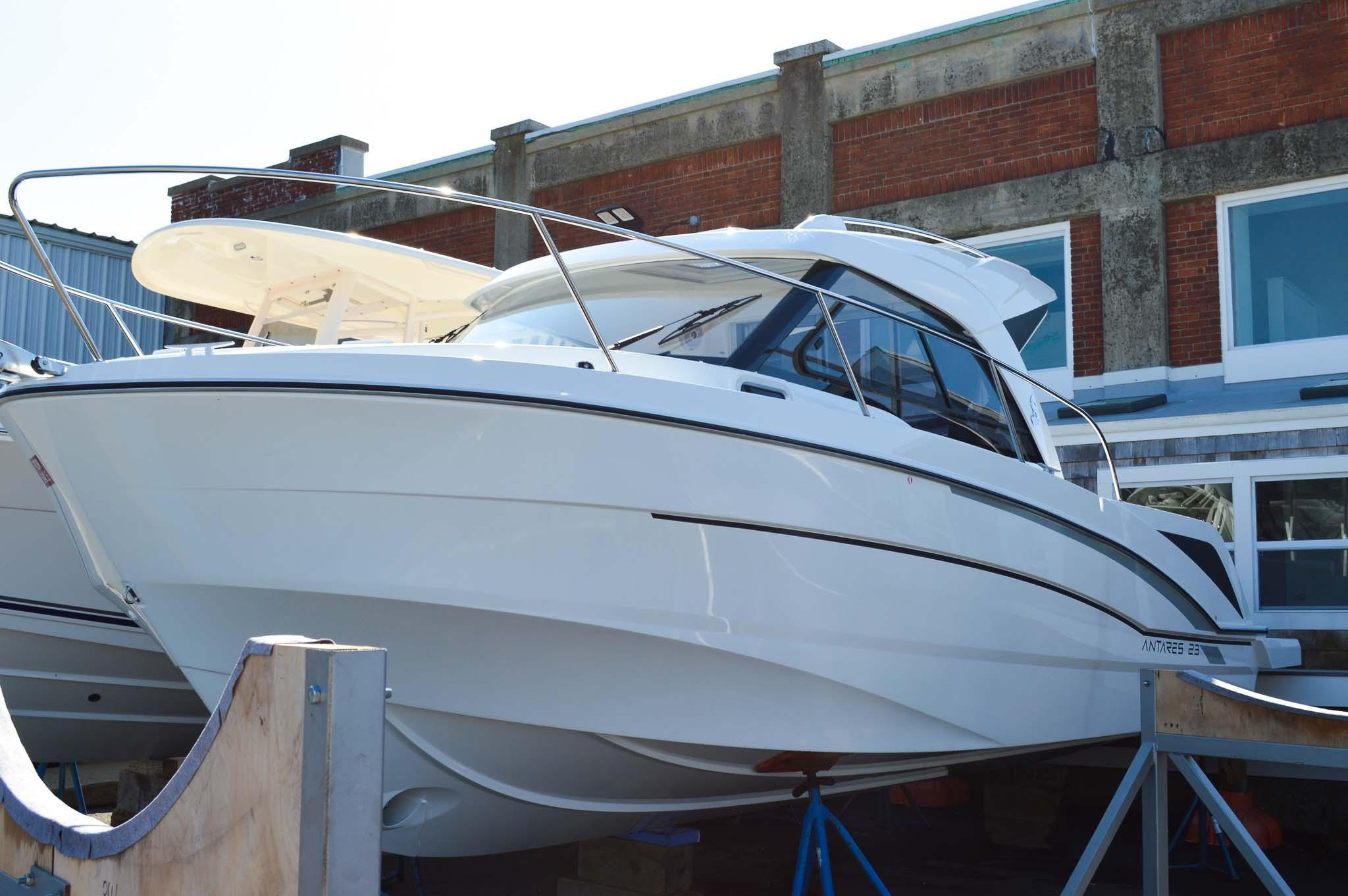 Beneteau Antares 23 - In Stock