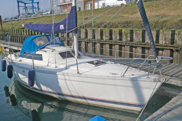 Jeanneau Fantasia 27 boat for sale