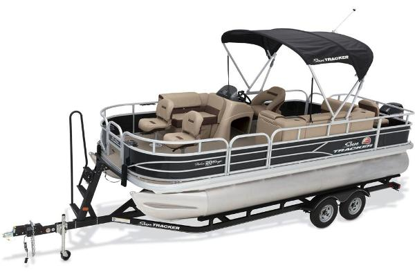 2018 Sun Tracker boat for sale, model of the boat is Fishin' Barge 20 DLX & Image # 3 of 10
