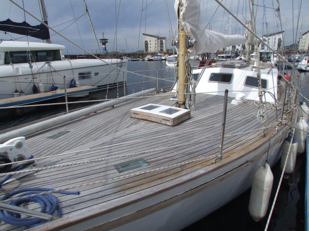 Endurance 37 Boat For Sale