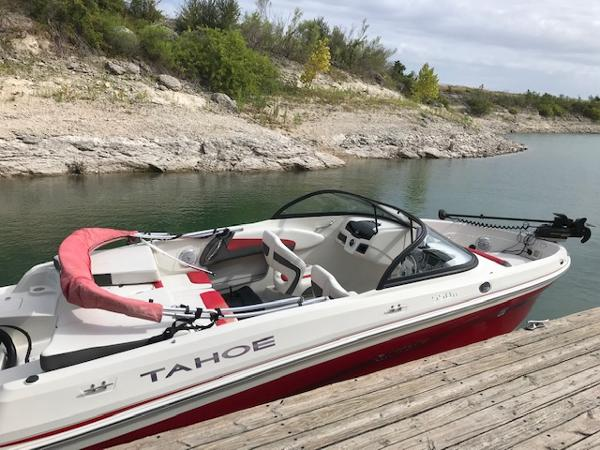 2016 Tahoe boat for sale, model of the boat is 550TF & Image # 5 of 7