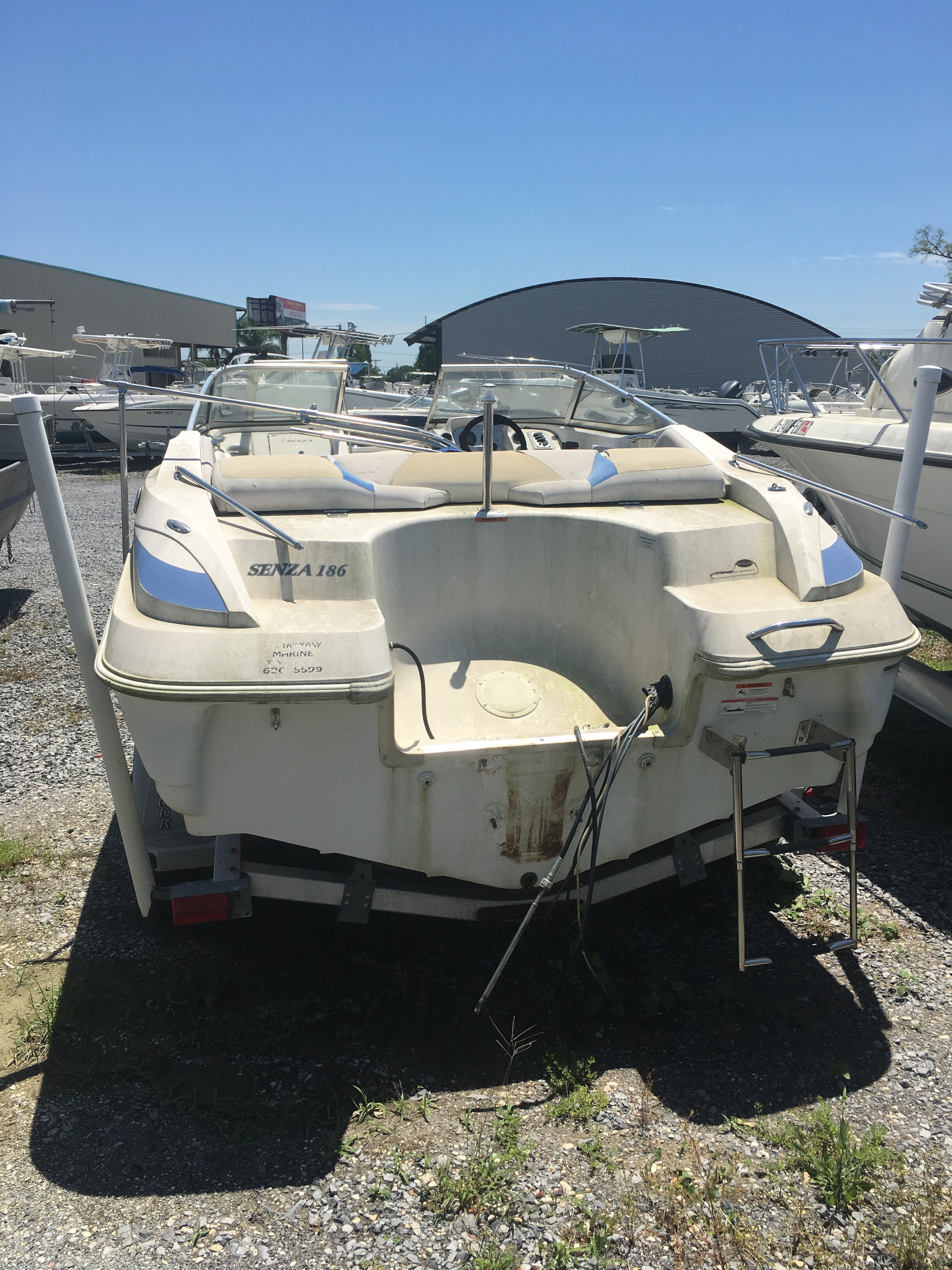 2007 Larson boat for sale, model of the boat is Senza 186 & Image # 1 of 15