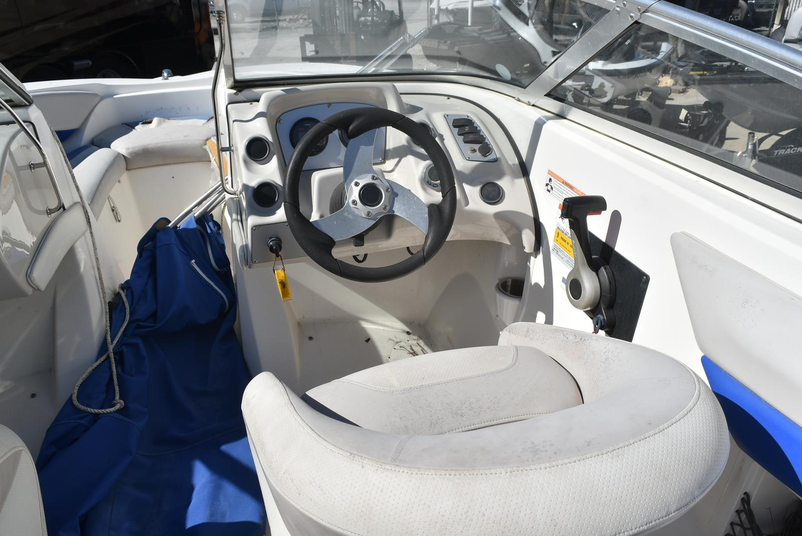 2007 Larson boat for sale, model of the boat is Senza 186 & Image # 11 of 15