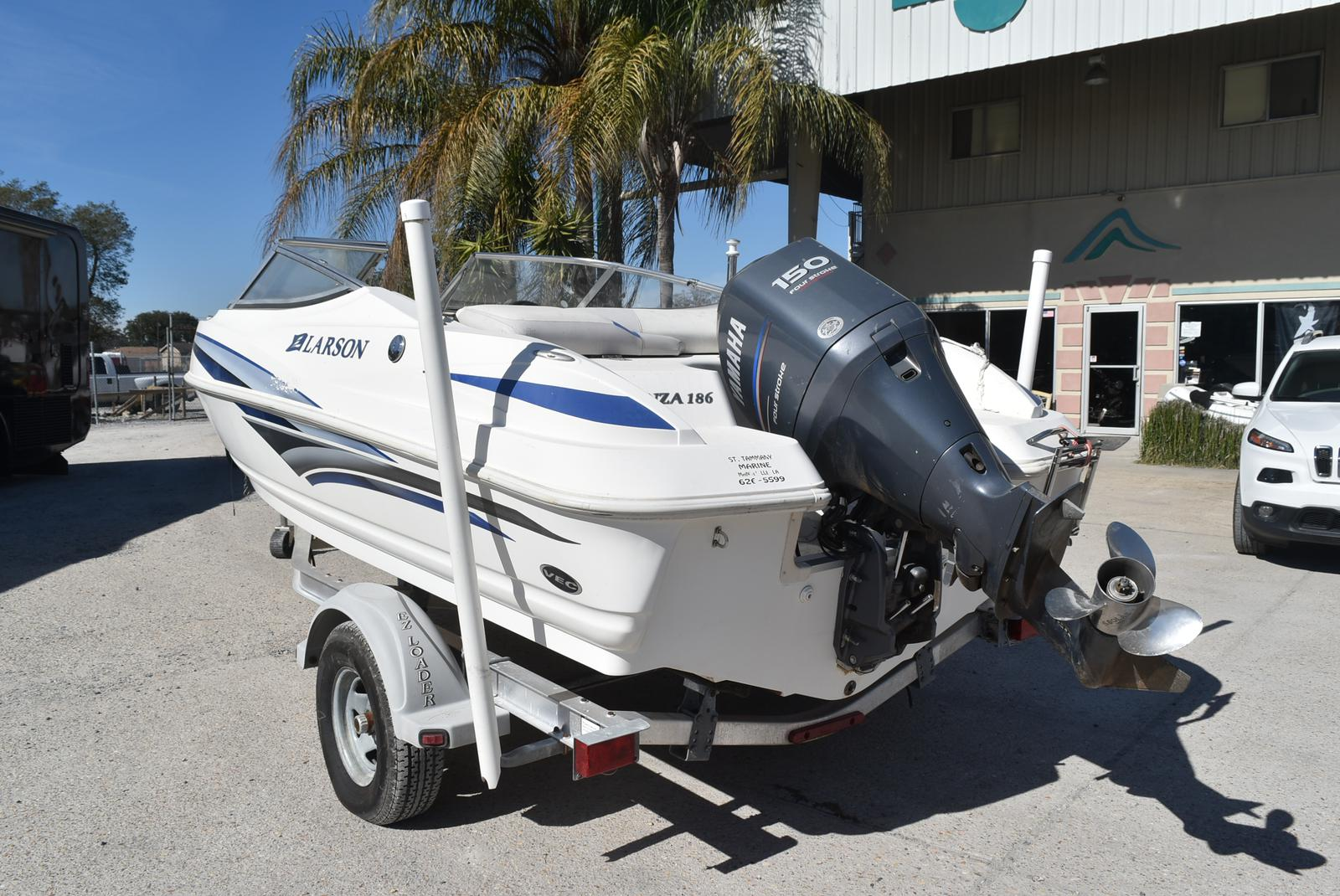 2007 Larson boat for sale, model of the boat is Senza 186 & Image # 6 of 15