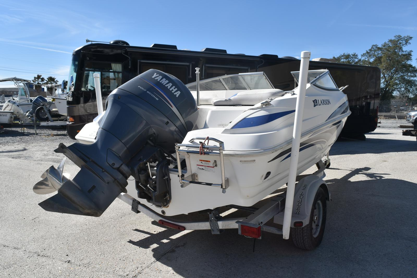 2007 Larson boat for sale, model of the boat is Senza 186 & Image # 7 of 15
